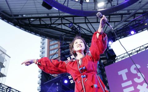 【J-WAVE30周年】BONNIE PINK、大江千里らが六本木ヒルズでライブ!ジャンルを超えた音楽のお祭り 「TSE」10月7日レポート