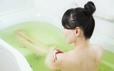 お風呂は「40度で10分間」がいい! 入浴のメリットを専門家が解説