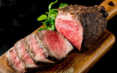 家庭でもできる、おいしいかたまり肉の焼き方とは? 名店マルディグラの和知シェフが紹介