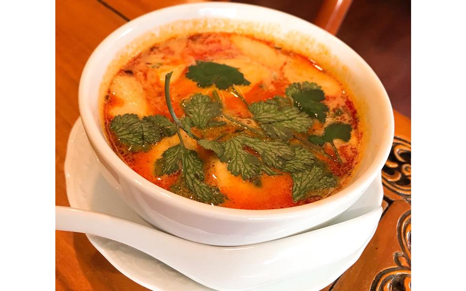 タイ政府おすみつき料理店「ジャスミンタイ」 トムヤムクンは上品な味