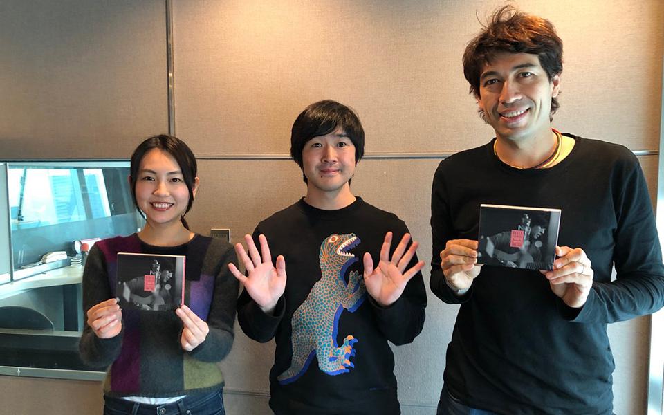 藤巻亮太、『3月9日』を弾き語りで披露! 「門出を祝う曲」