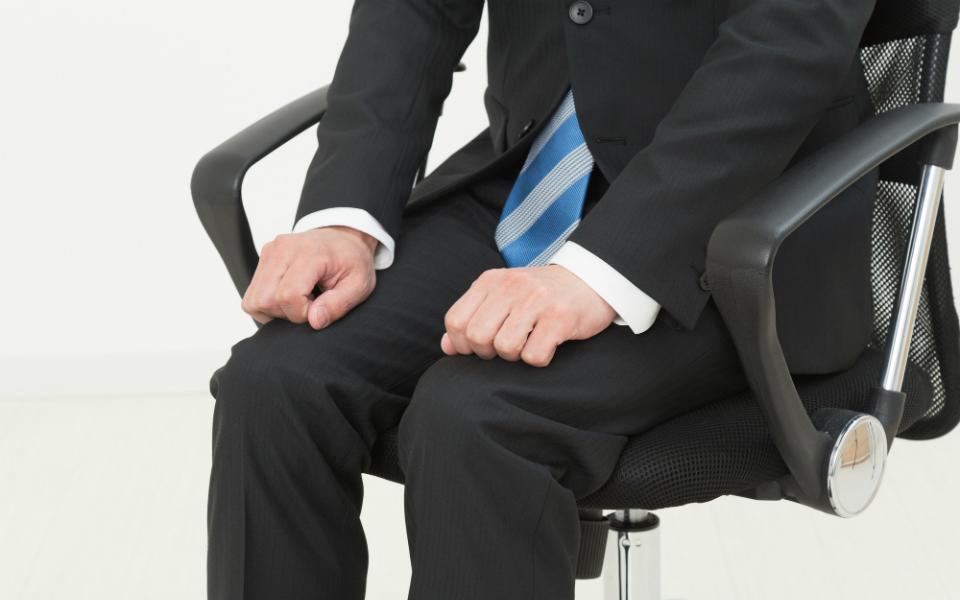日本人は世界で最も「座っている時間」が長い!? ベストな座り方を解説