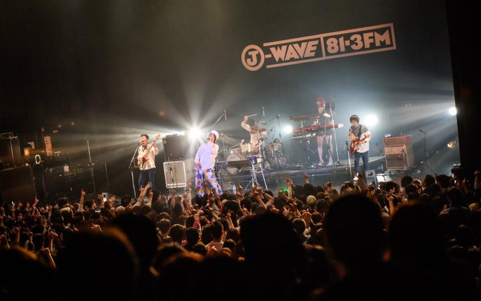 ビッケブランカ「僕と遊んでもらえたらいいな」 自由自在に楽しむライブ!【J-WAVE SAISON CARD TOKIO HOT 100 FESTIVAL】