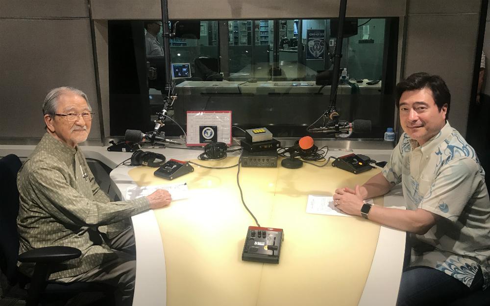 【受賞】戦後の沖縄でラジオが必要だった理由―父・川平朝清から息子・ジョン・カビラへ語り継ぐ