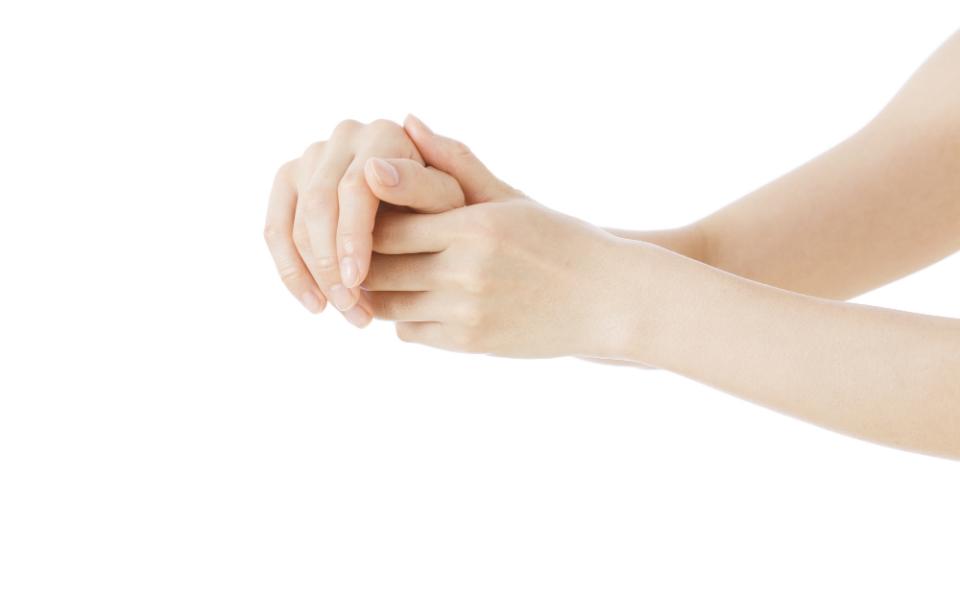 肩コリや腰痛、目の疲れにも効果的! 万能な手のツボ
