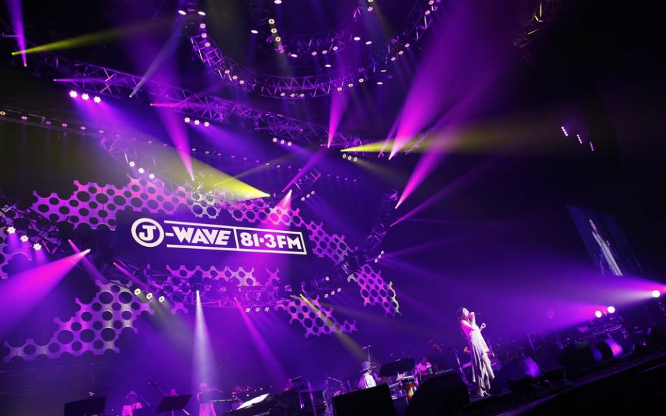 JUJU、恋の切なさを歌い上げる…横浜アリーナで見せた、大人の魅力【J-WAVE LIVE】