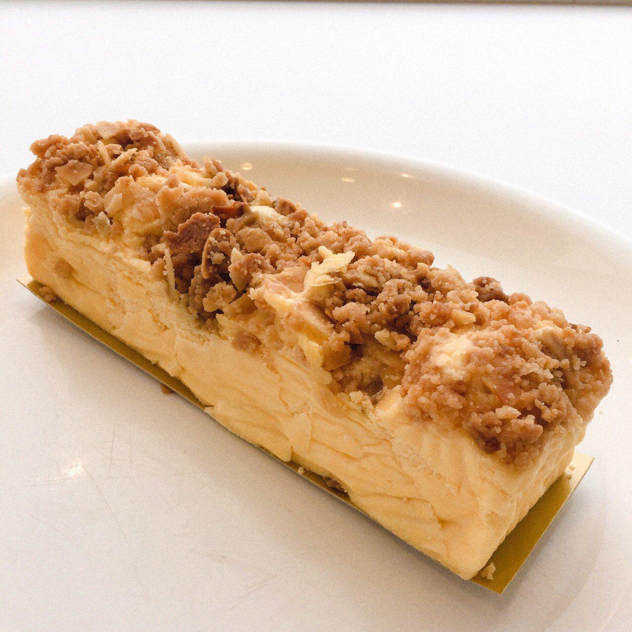 1日30本限定! 厳選したハチミツをかけて味わう「贅沢チーズケーキ」