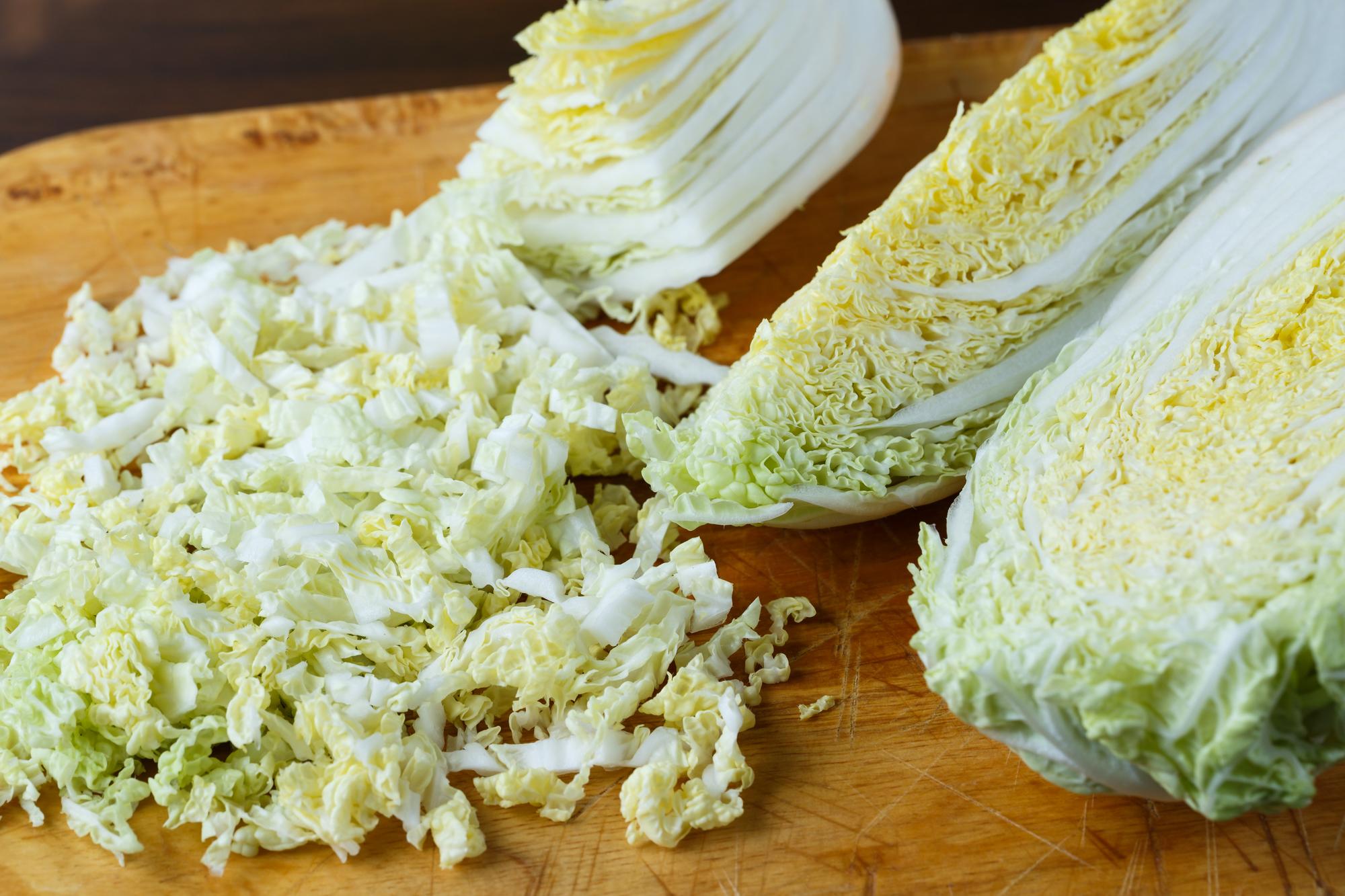 【簡単おいしい鍋料理】白菜を千切り、塩で漬けて発酵させて…『dancyu』編集長が伝授!