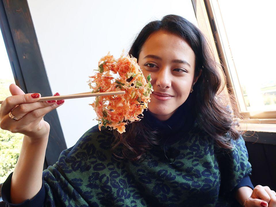 山口智充&浦浜アリサ、旬の桜えびを使ったサクサクのかき揚げに感激!