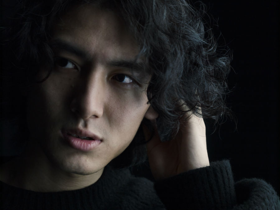秀逸なピアノアレンジが話題、2020年の注目株「藤井 風」 1月24日に『何なんw EP』リリース