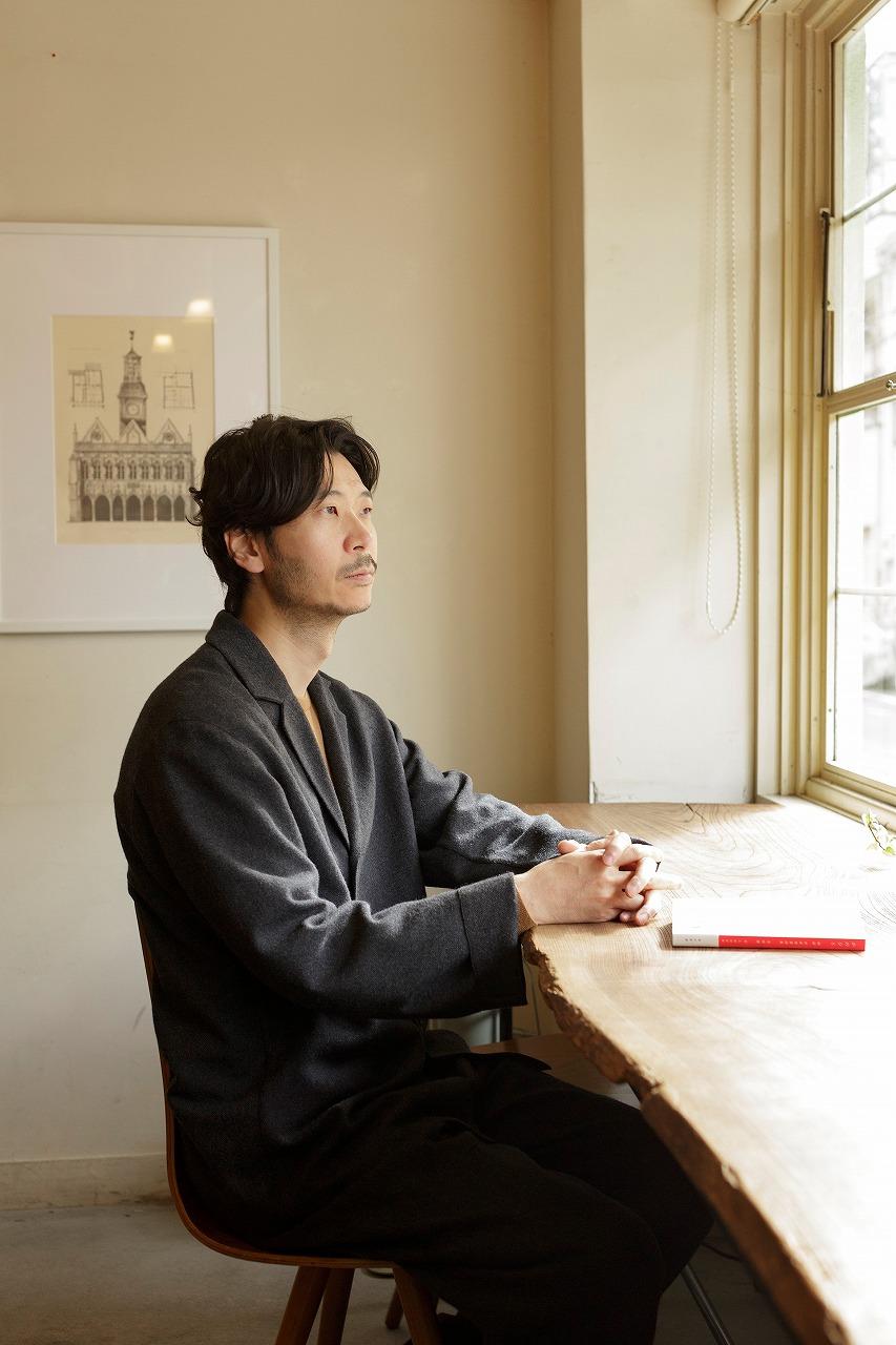詩人・菅原敏が街に詩を注ぐ新番組『at home QUIET POETRY』が2月よりJ-WAVEでスタート