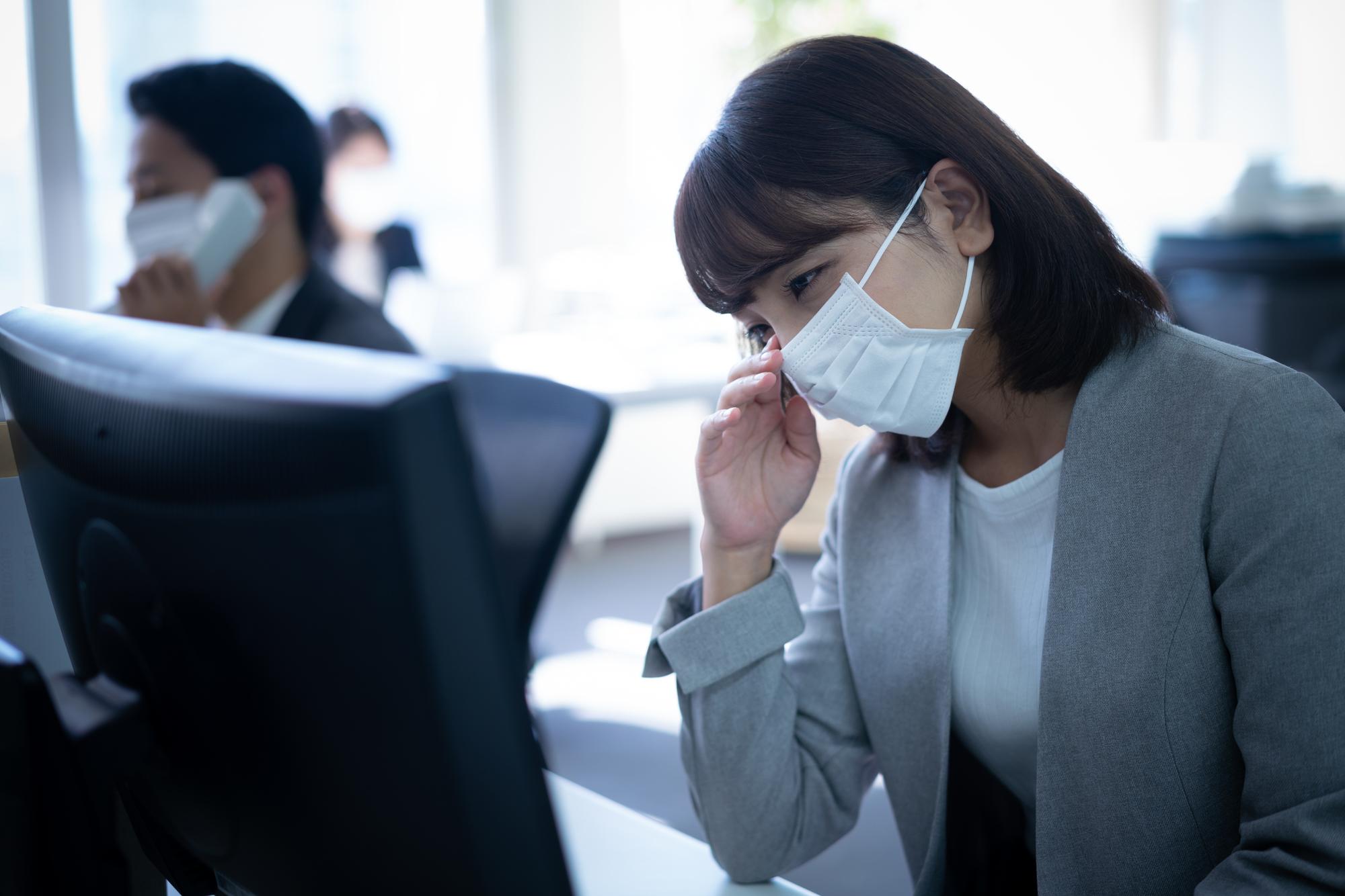 あなたの会社は、インフルエンザで休めますか? 「無理に出社してる印象。休んでほしい」との声も