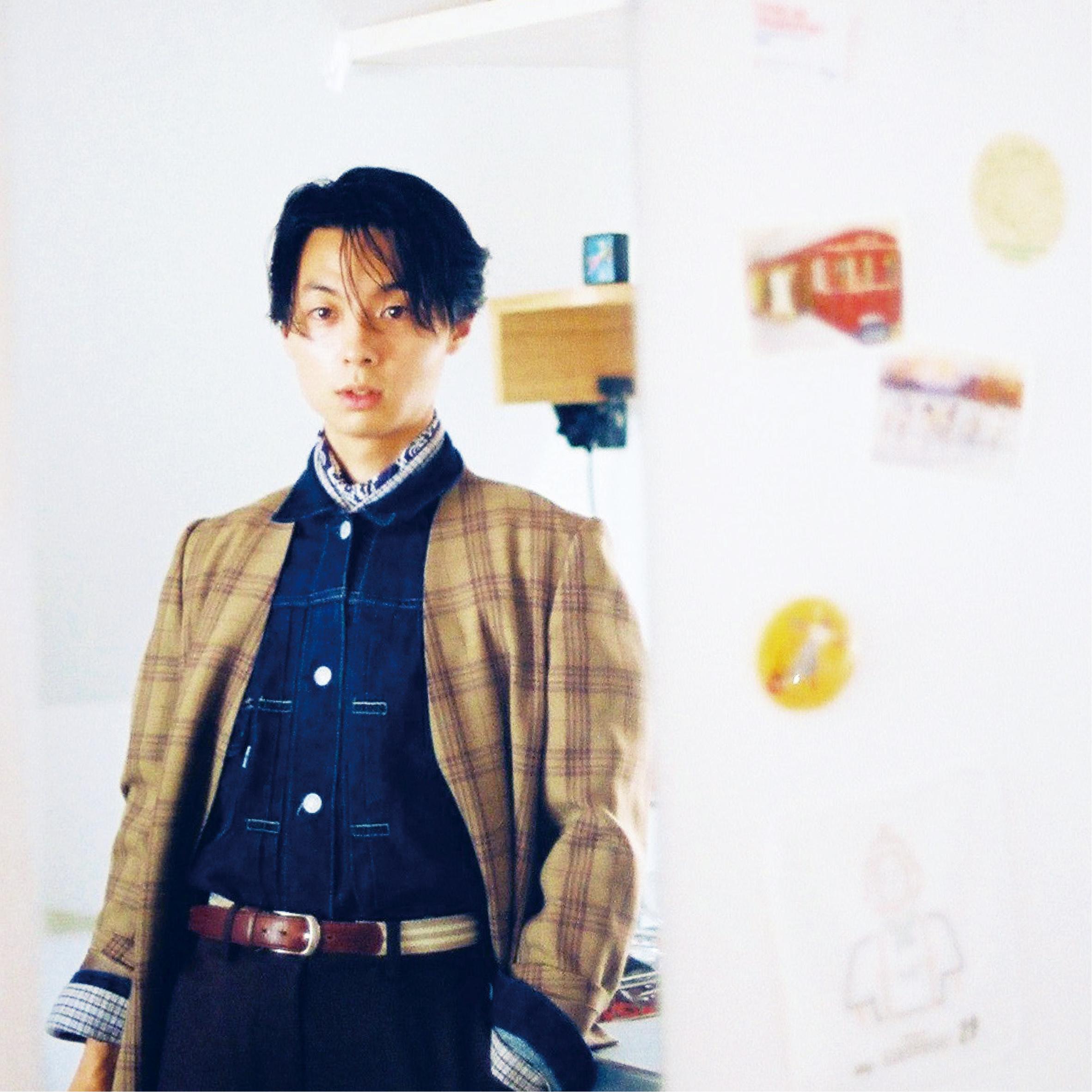 『英語日記BOY』の著者・新井リオが絶賛! 等身大で素な雰囲気が魅力的なシンガーとは