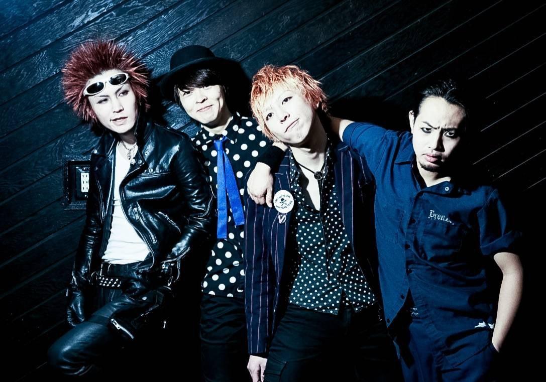 【注目の学生アーティスト】こてこてのロックンロール・バンド! 同じバイブスを持つボーカル3人、SNEAKIN' NUTS