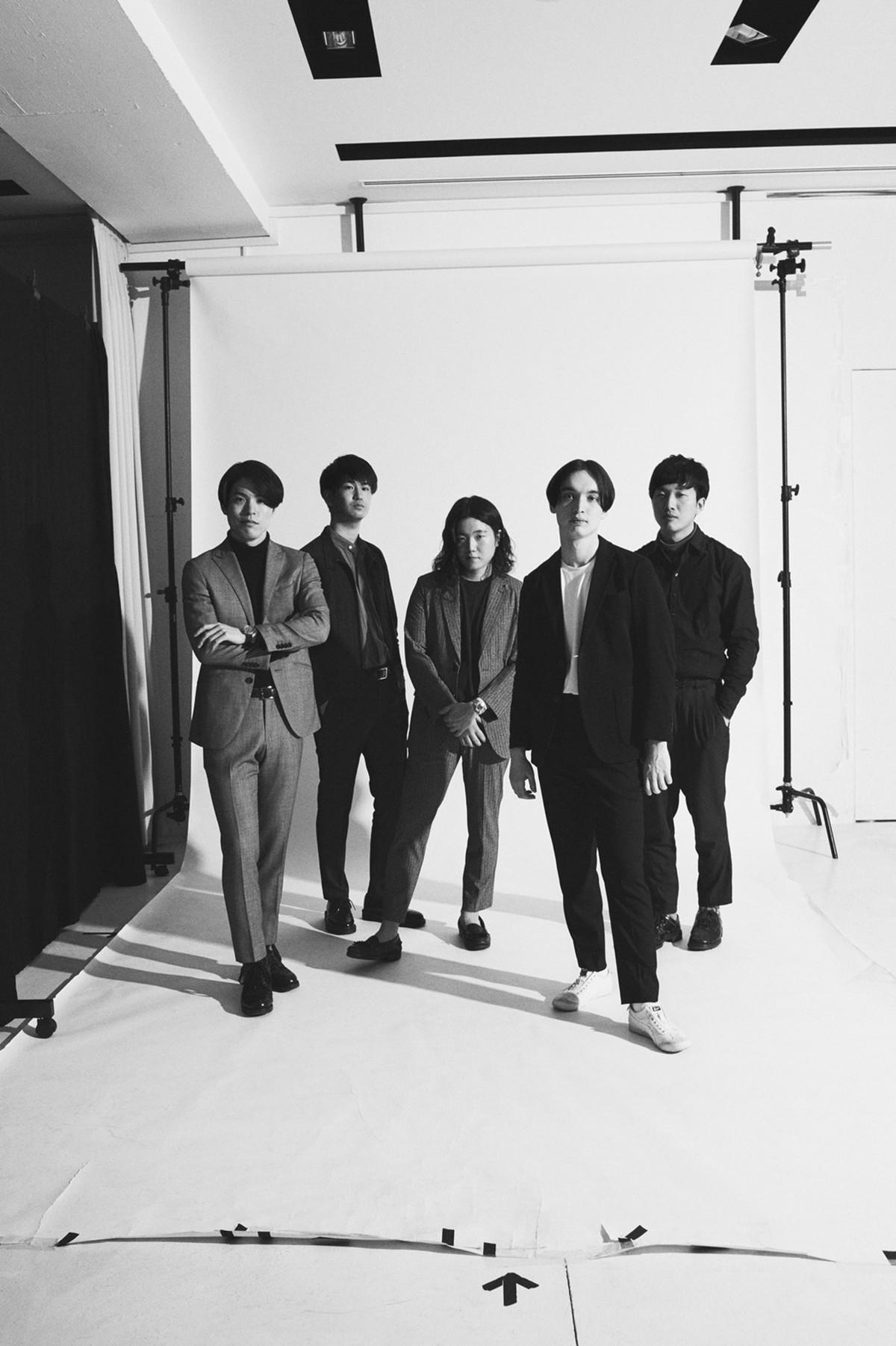 """日/米/韓からなる多国籍5人組バンド・Johnnivan、""""音楽・創作することへの讃美歌""""をテーマに制作された『Danced Once』"""