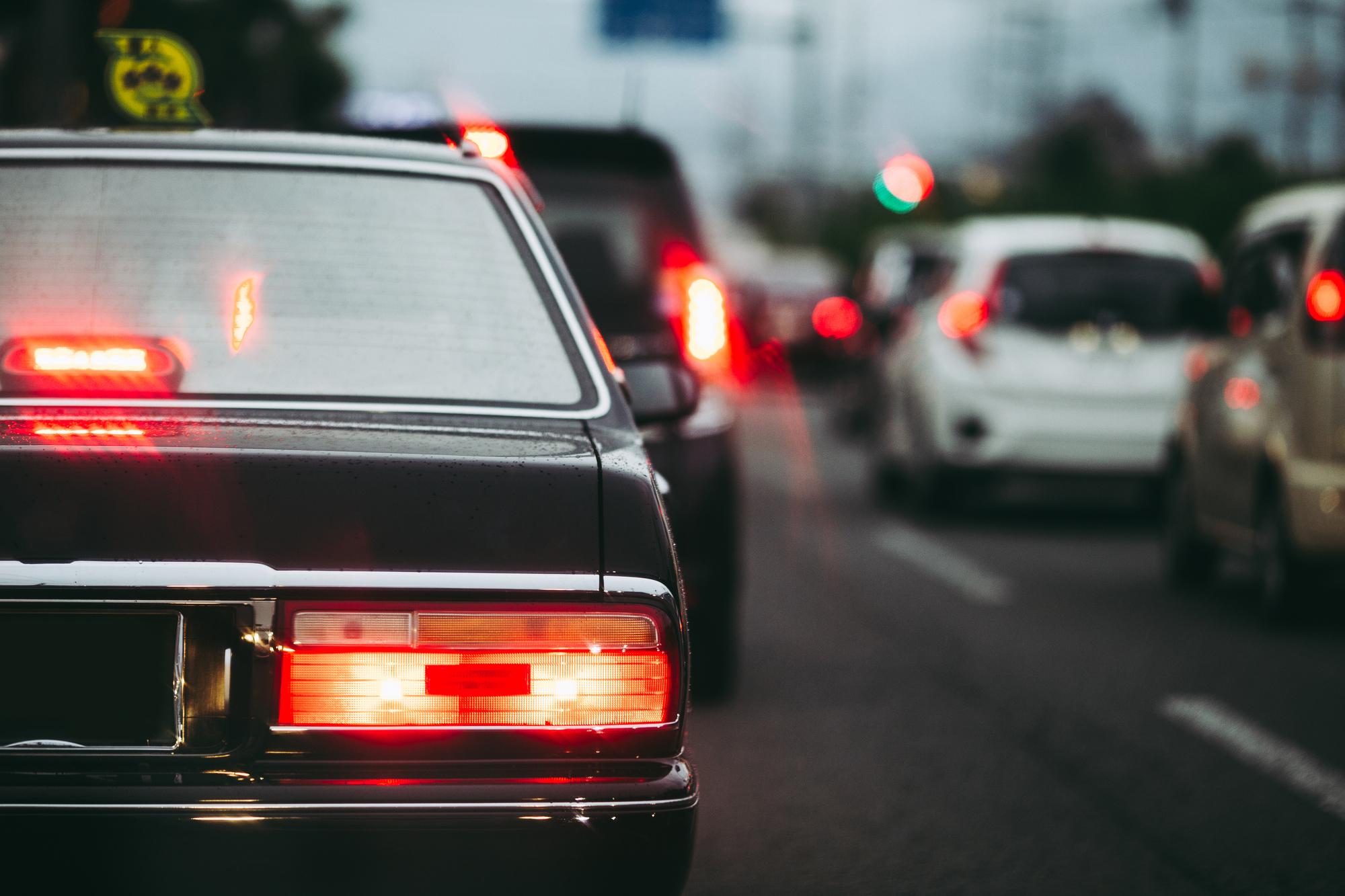 タクシー運転手、「手取り月収5万」まで下がった人も…危機を乗り越える、新たな取り組みとは