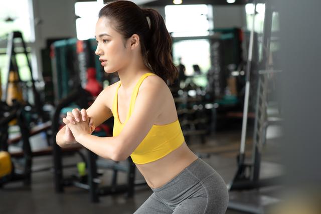 自粛生活で「最も筋力が低下する」のは下半身! 朝10回の簡単エクササイズ