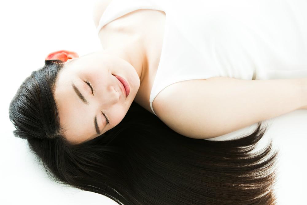 1日5分の「ゴロ寝」で睡眠の質が向上! 用意するのはブランケット2枚だけ