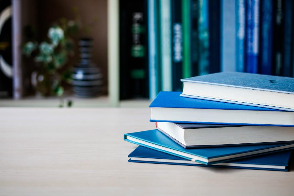 コロナ禍はAmazonで本を売らない…フランスの書店文化を残す選択