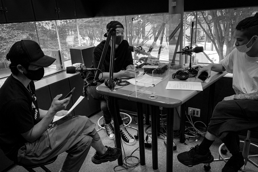 サバプロ・Ivan、「音楽的ルーツ・ソング」を紹介。スタジオで毎回弾いていた曲とは
