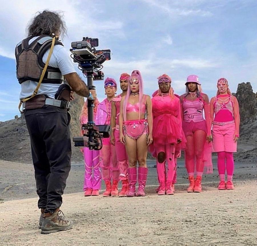 レディー・ガガの言葉に、ダンサーが号泣…『Stupid Love』MVに出演したIGが撮影裏を明かす