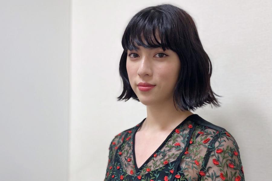 """三吉彩花、美肌のために""""年一回のアレルギー検査"""""""