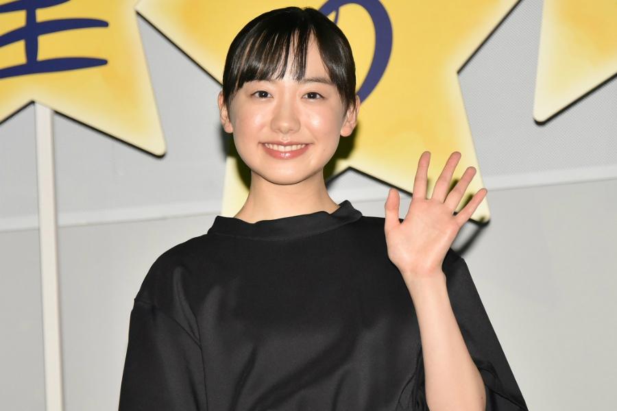 芦田愛菜×岡田将生、約10年ぶりの共演は和気あいあい「この問題どうやって解くんだっけ?と…」