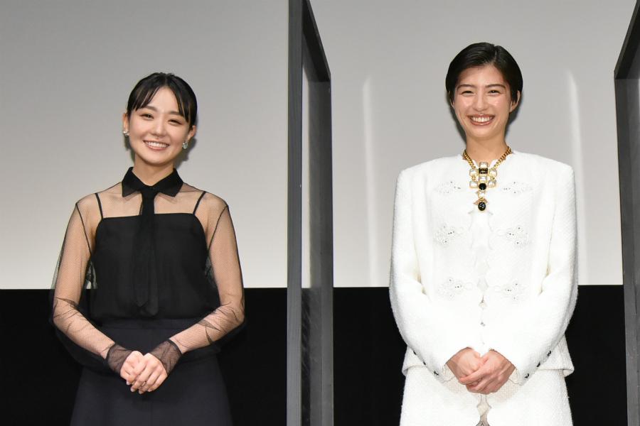 佐久間由衣&奈緒、初共演でサプライズドッキリも「距離感がとてもいい」