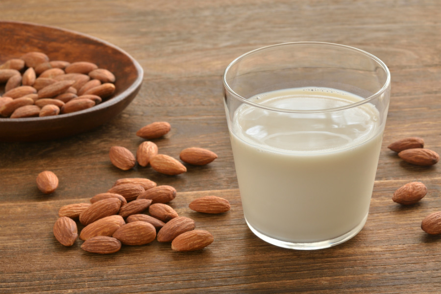 世界では「代替牛乳」が注目。開発メーカーが味以外で重視する、意外なポイントは?