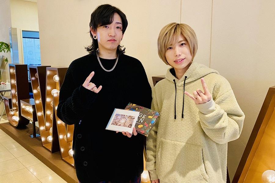 Official髭男dism『Pretender』最初はサビが違った! YOASOBI・Ayaseが、小笹大輔に楽曲制作の裏話を聞く