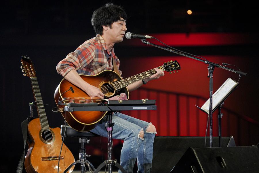 山崎まさよし、ギターの祭典のラストを飾る! 『セロリ』も披露【「ギタージャンボリー2020」フォトレポート】