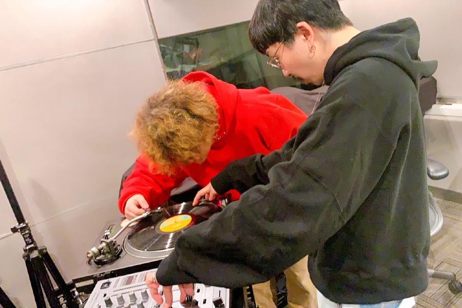 Nulbarich・JQ、レコードを語る。Vaundyは初めて針を落とし…感想は?