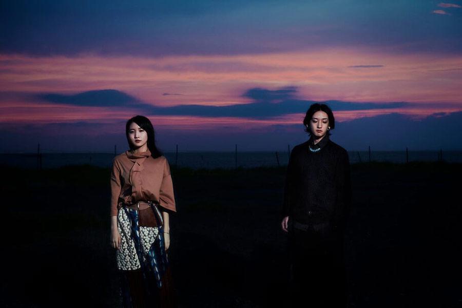 "YOASOBI、""無償の愛""テーマの楽曲が首位! Ayaseが喜びのコメント【TOKIO HOT 100 最新チャート】"