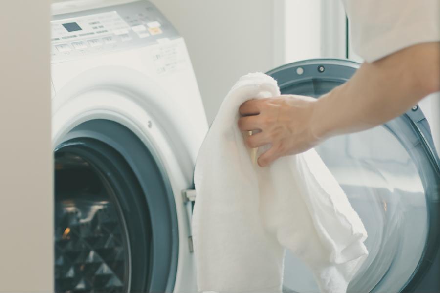 夏の洗濯、水量は「冬の倍」を目安に。その理由をプロが語る