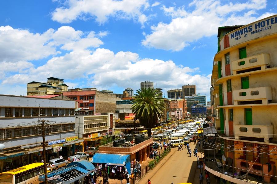 発展するアフリカは今、高度経済成長期の日本のよう? 団地や車、外食がラッシュに
