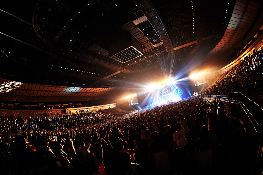 KEYTALK、クリープハイプ、フォーリミ、XIIXが出演! 横浜アリがロックで揺れた「キンプレライブ」レポート