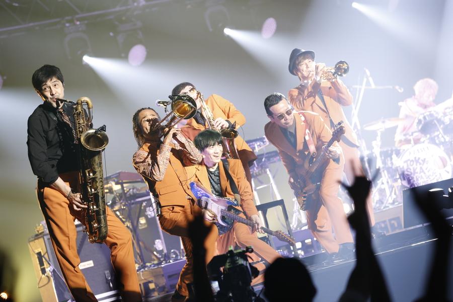 東京スカパラダイスオーケストラ、会場をひとつにするグルーヴ【「J-WAVE LIVE 2021」フォトレポート】