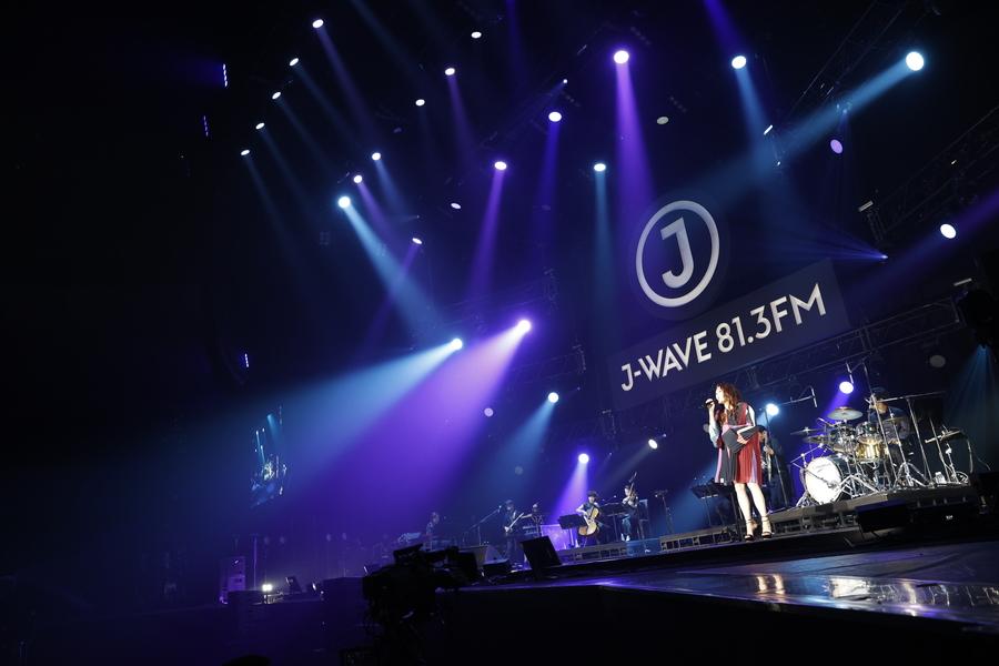 JUJU、しなやかで芯のある歌声で観客を虜に【「J-WAVE LIVE 2021」フォトレポート】