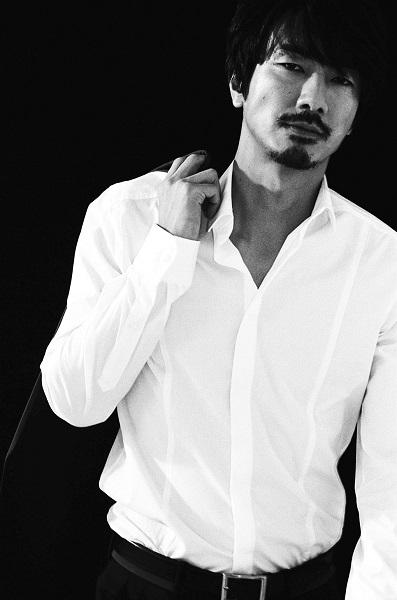 眞島秀和、役者を目指して「不安と希望で心がごちゃ混ぜ」な時期に聴いた楽曲
