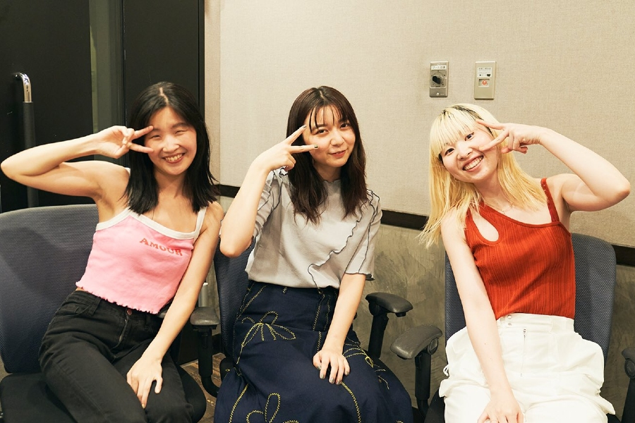 上白石萌歌がCHAIのマナ・ユウキに「LOVEなもの」を訊く! 7時間、作り続けたモノとは?