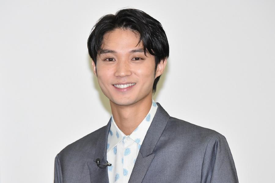 磯村勇斗「好きな子とは手を繋がなければいけないのか」 初デートの思い出を語る