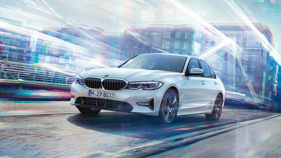 BMW 3シリーズの「330e プラグインハイブリッド」