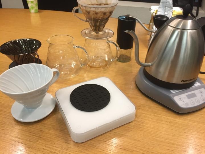 コーヒーを淹れるために必要な器具