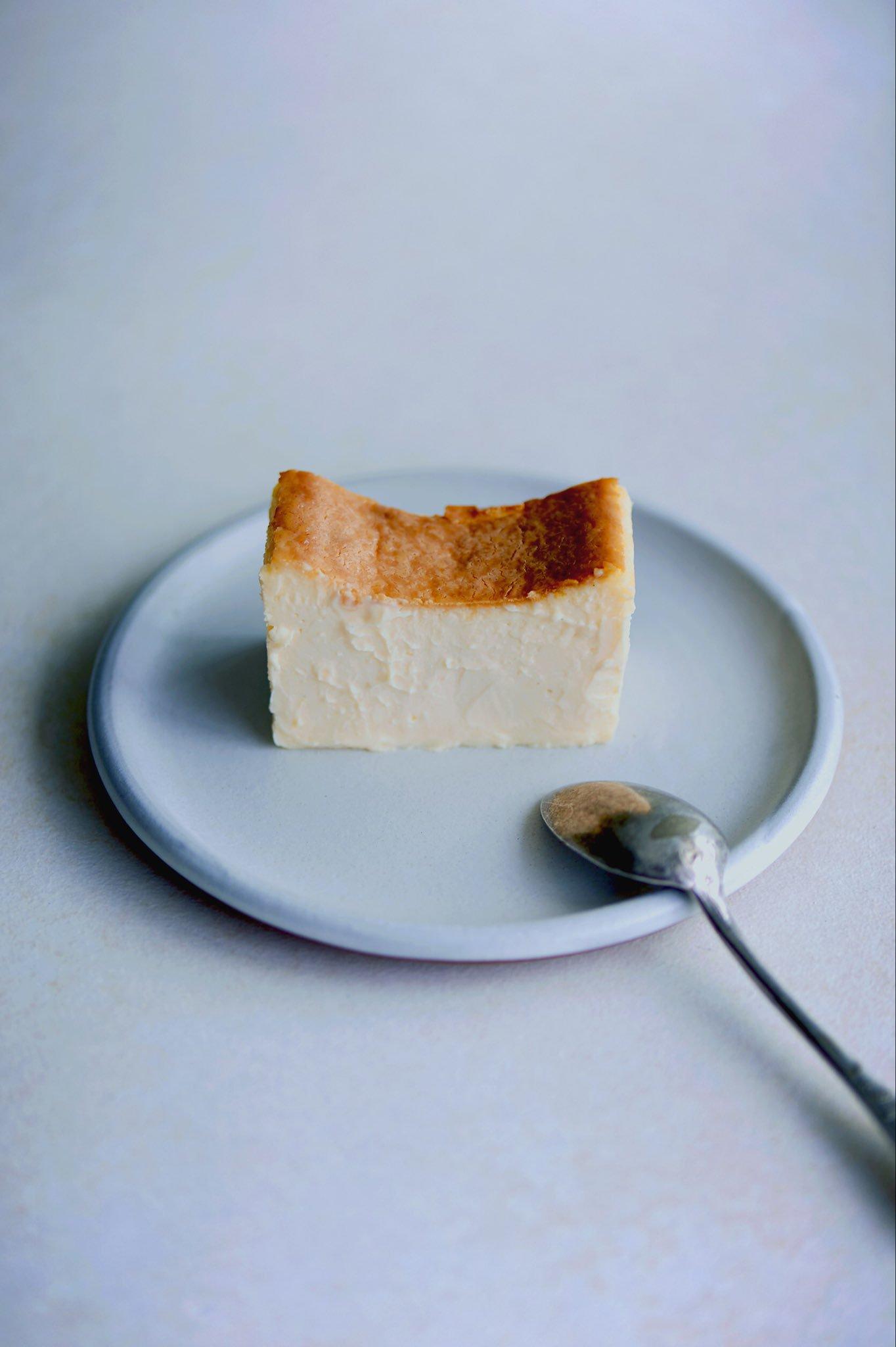 チーズケーキ「Mr. CHEESECAKE」